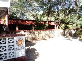 Pennywise Cottages, hotel near Elephant's Walk Shopping & Artist Village, Victoria Falls