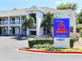 Studio 6-Austin, TX - Northwest, hotel u blizini znamenitosti 'Paramount Theatre' u gradu 'Austin'
