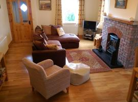 Linsfort Cottage, hotel near Buncrana Golf Club, Buncrana