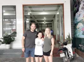 Son Tinh Hotel, hotel in Phong Nha