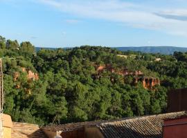 Appartement avec vue, hotel in Roussillon