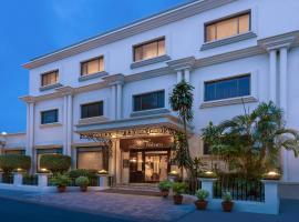 La Place Sarovar Portico, hotel in Lucknow