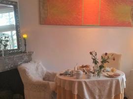 B&B Romantic Rooms Central Haarlem, B&B in Haarlem