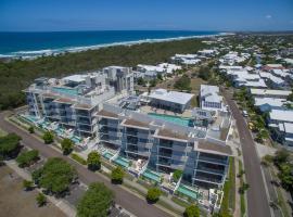 White Shells Luxury Apartments, hotel near Sunshine Coast Maroochydore Airport - MCY,
