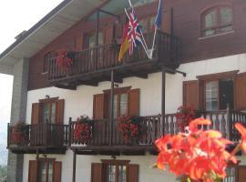 Hotel Villa Plinia, hotel a Pragelato