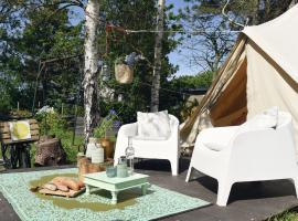 Charming Tent Lodge in Callantsoog near Beach, luxury tent in Callantsoog