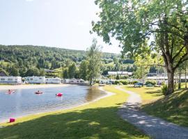 Beverøya Hytteutleie og Camping, hotell i Bø