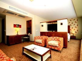 Corso Hotel Pécs, отель в Пече