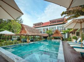 Aira Boutique Hoi An Hotel & Villa, хотел в Хой Ан