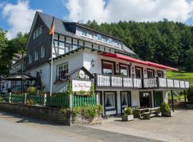 Gasthof Zur Hohen Hunau, hotel in Schmallenberg