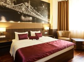 12 Revay Hotel, hotel in Boedapest
