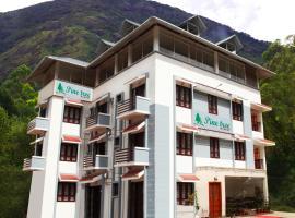 FabHotel Pine Tree, hotel in Munnar