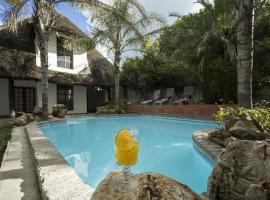 Out of Africa Guesthouse, hotel in Otjiwarongo
