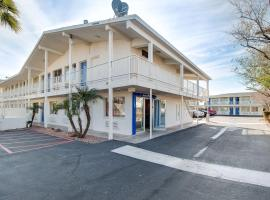 Motel 6-Phoenix, AZ - East, hotel near Phoenix Sky Harbor International Airport - PHX,