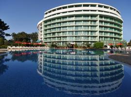 Hotel Colosseum, hotel near Den Glade Viking Dance Club, Sunny Beach