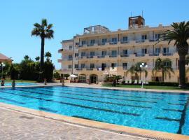 Club Hotel Kennedy, hotell i Roccella Ionica