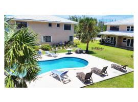 8 Villa Martinique, hotel en Freeport