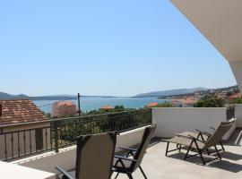 Apartment Luce, pet-friendly hotel in Trogir