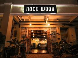 Rock Wood Hotel, hotel in Sungai Petani