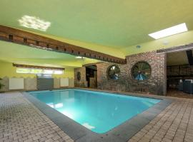 Luxurious Holiday Home in Waimes with Private Pool, hotel in Waimes