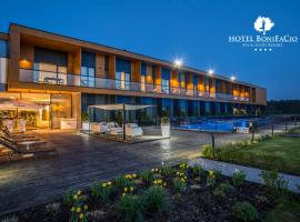 Hotel Bonifacio SPA&SPORT Resort, hotel in Sochocin