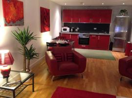 Stunning Spacious City Apartment with free parking, hotel near Capitol Shopping Centre, Cardiff