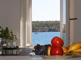 Swan Adriatic Apartment & Room, B&B in Šibenik