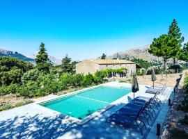 Agroturismo Son Alzines, pet-friendly hotel in Lluc