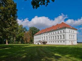 Schloss Retzow Apartments, apartment in Retzow