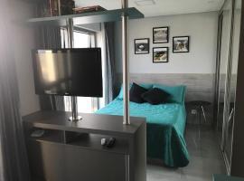 Apartamento decorado e equipado no 27º andar, hotel near Estação Mall, Curitiba