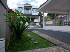 Villa Gunung Catur، فندق بالقرب من محطة حافلات أوبونغ، كيروبوكان