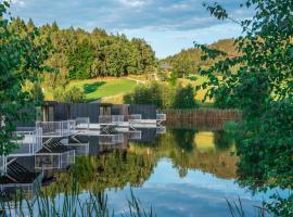 Hausboaty Ypsilon Golf Liberec, hotel v destinaci Fojtka