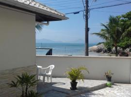 Casa Beira Mar Mariscal 1, hotel near Conceicao Beach, Bombinhas