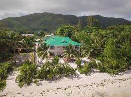 Seashell Beach Villa, apartment in Grand'Anse Praslin