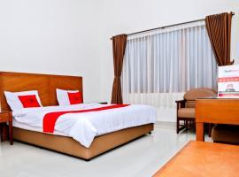 Residences by RedDoorz near Rumah Mode, hotel in Bandung