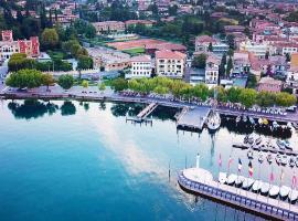 La Vittoria Boutique Hotel, hotel near Baia delle Sirene Park, Garda