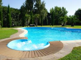 Villa Iulia, hotel with pools in Vetralla