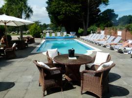 Beachcombers Hotel, hotel in Saint Helier Jersey