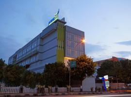 PrimeBiz Tegal, family hotel in Tegal