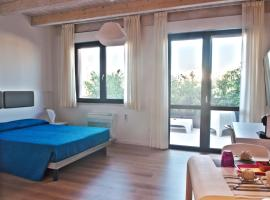 Four Rooms Guesthouse, guest house in Oristano