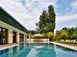 Hubertus Hof Landhotel, resort in Balatonfenyves