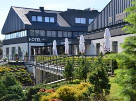 Hotel Avangarda, hótel í Różan