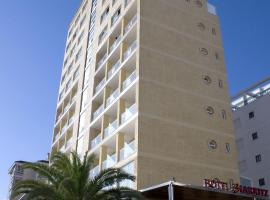 Hotel Biarritz, отель в Гандии