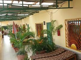 Busy Bee Apartments, hotel in Kololi