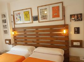 Barri Antic Hostel & Pub, bed and breakfast a Andorra la Vella