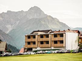 Genuss- & Aktivhotel Sonnenburg, hotel in Riezlern
