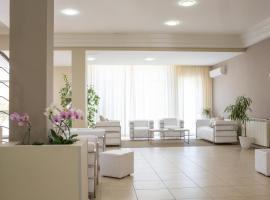 Hotel Holiday, hotell i Vasto