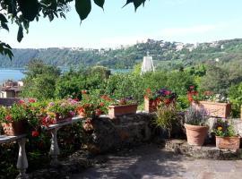 """Bed&Breakfast """"Fiorella"""" sul Lago, hotel in Castel Gandolfo"""