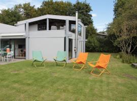 Wonderful Holiday Home in Kamperland near Lake, holiday home in Veere