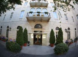 Grand Kadri Hotel, hotel in Zahlé